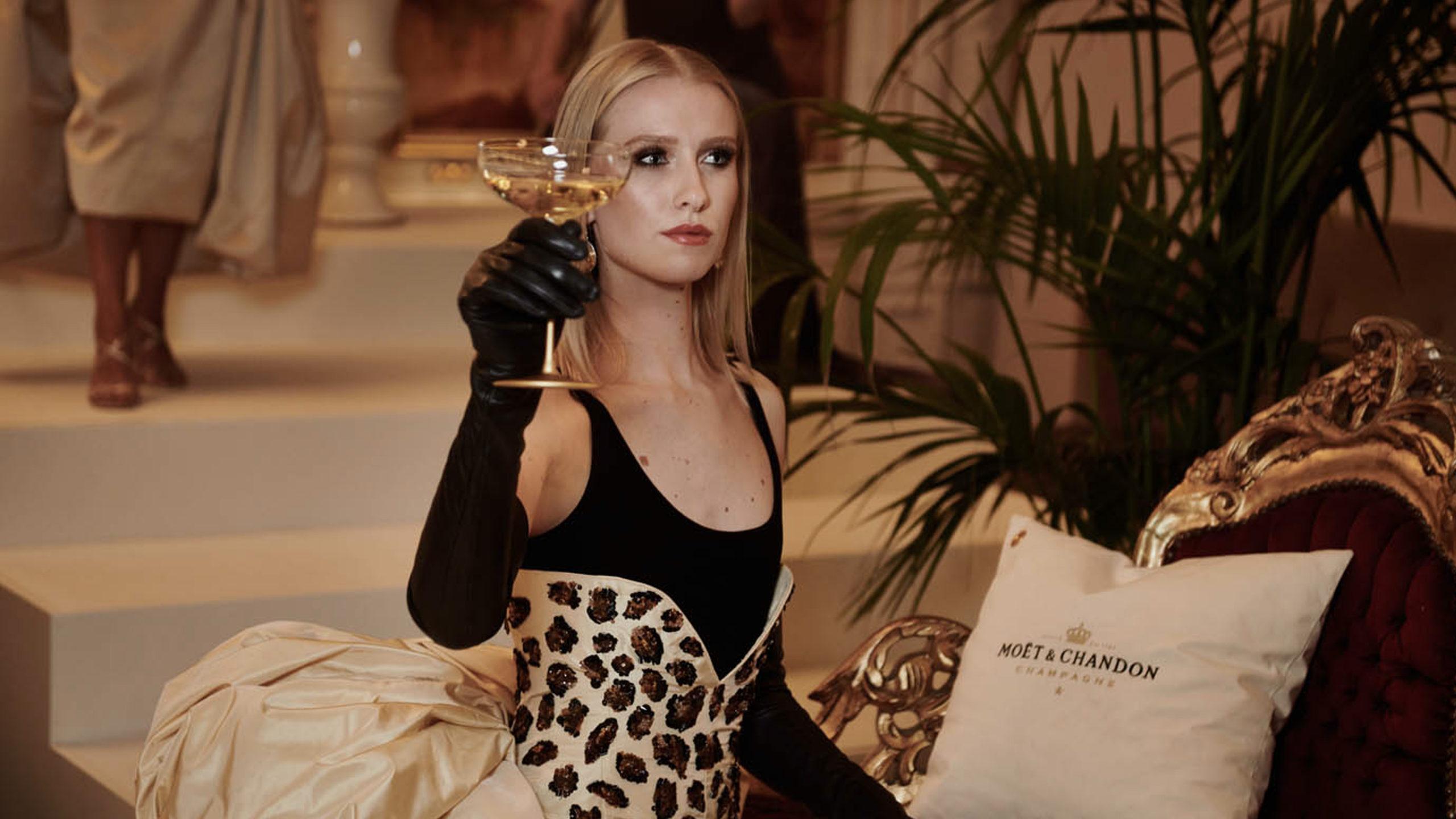 proosten op het goede leven doe je vanaf 11 december bij the champagne room